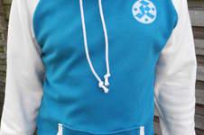 Makerist - Ein Männershirt in Vereinsfarben - 1