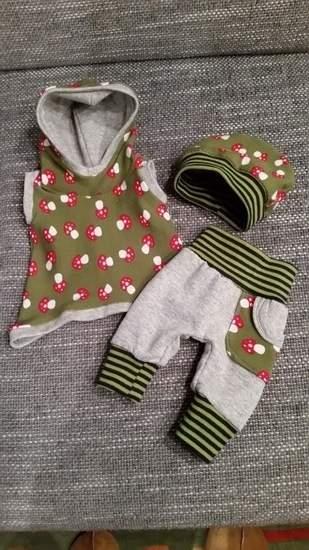 Puppenkleidung aus Jersey und Bündchenware für die Babypuppe meiner süssen Nichte.