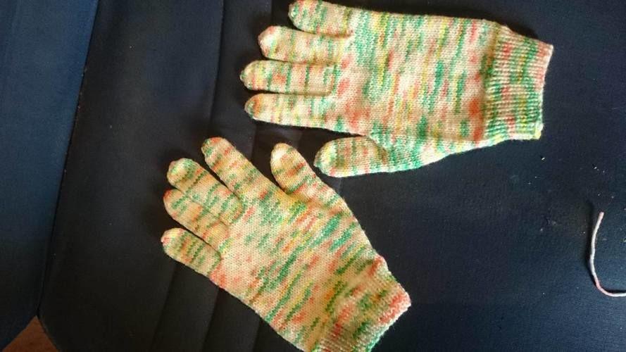 Makerist - meine ersten Fingerhandschuhe - Strickprojekte - 1
