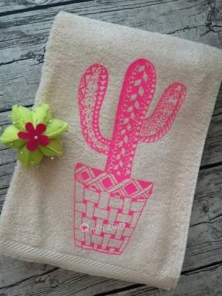 Handtuch beplottet mit Kakteen Tangle Style nach MIN ZIARI