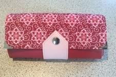 Makerist - Geldbörse Ruby. Sie besteht aus echtem Leder und Baumwolle im Oberstoff und ist für mich gedacht. - 1