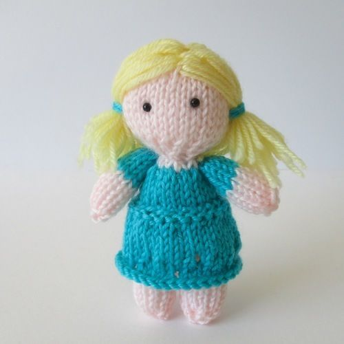 Makerist - Daisy May Doll - Knitting Showcase - 1