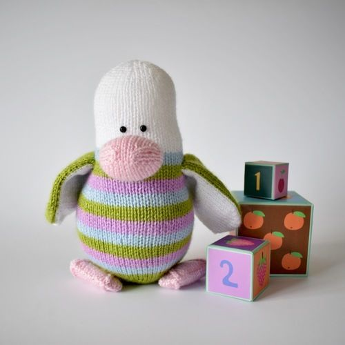 Makerist - Stripes the Penguin - Knitting Showcase - 1