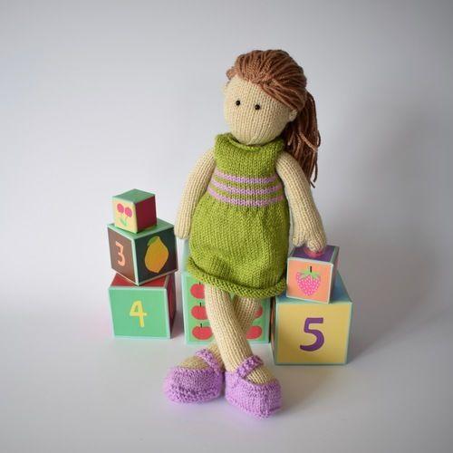 Makerist - Lily Doll - Knitting Showcase - 1