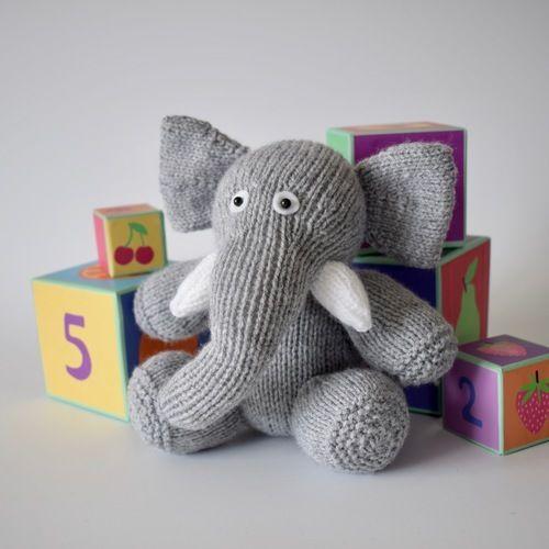 Makerist - Bloomsbury Elephant - Knitting Showcase - 1