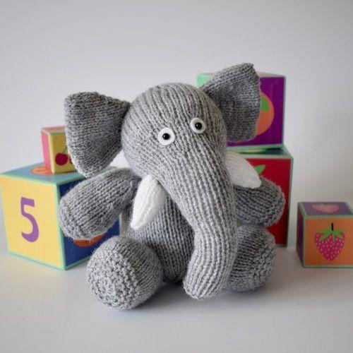 Makerist - Bloomsbury Elephant - Knitting Showcase - 2