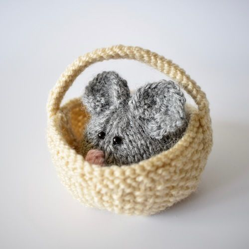 Makerist - Squeaky Mouse - Knitting Showcase - 2