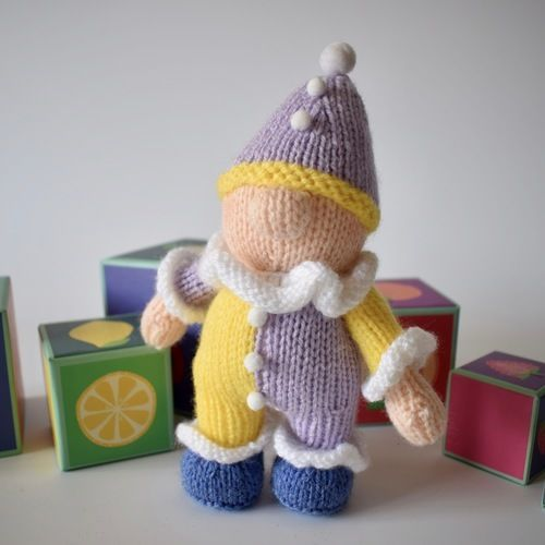 Makerist - Pompom the clown - Knitting Showcase - 1