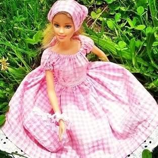 Robe BB pour poupée Barbie