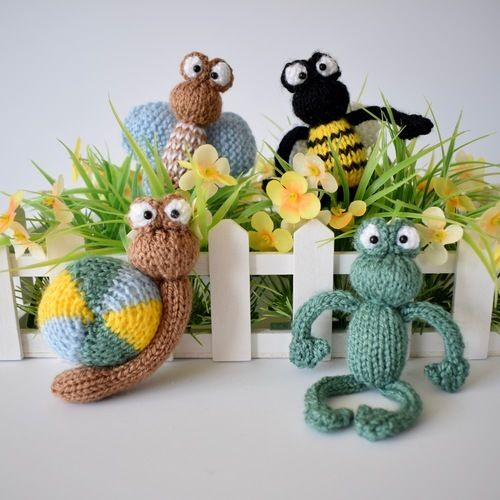 Makerist - Frog and Bugs - Knitting Showcase - 1