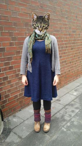 Makerist - Kuschelkleid in blauem Jersey-Strick - Nähprojekte - 1