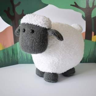 Makerist - Brenda the Sheep - 1