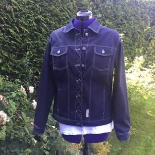 Makerist - Lässige Jeansjacke aus dem Kurs von Mia Führer - 1