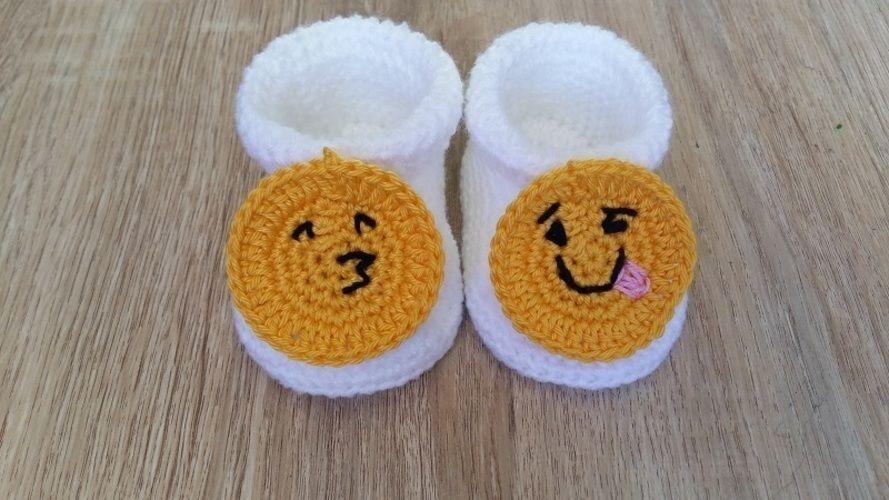 Makerist - Petits chaussons smiley - 0/3mois - Créations de crochet - 1