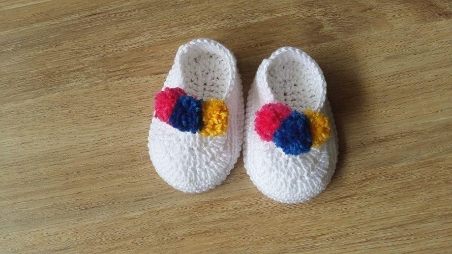 Makerist - Chaussons bébé 3 pompons - 0/3mois - Créations de crochet - 1