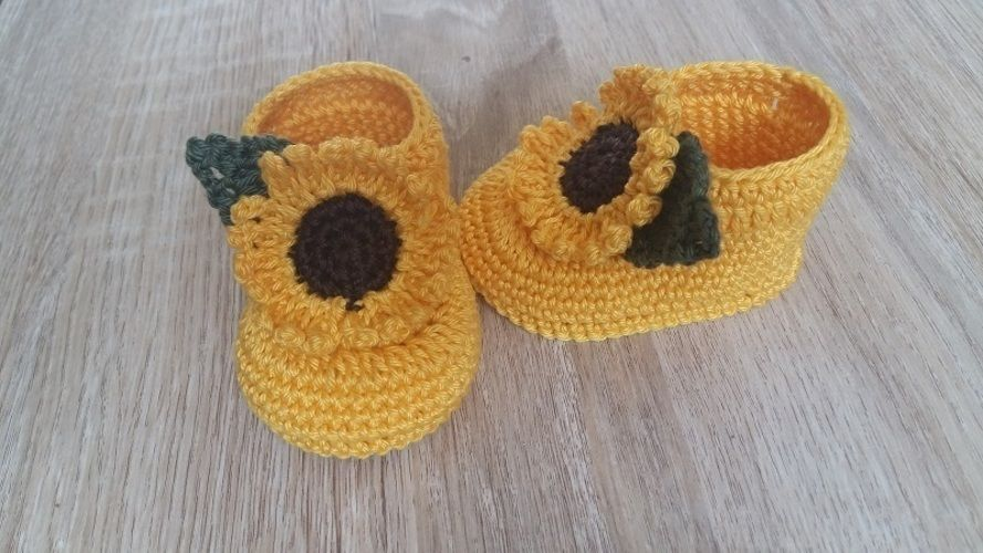 Makerist - Chaussons tournesols - taille 0/3 mois - Créations de crochet - 2