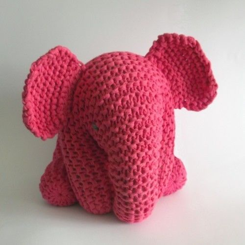 Makerist - Pink Elephant - Knitting Showcase - 1