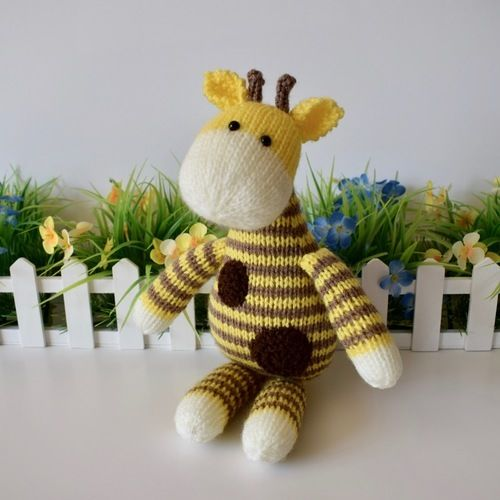 Makerist - Harry Giraffe - Knitting Showcase - 3