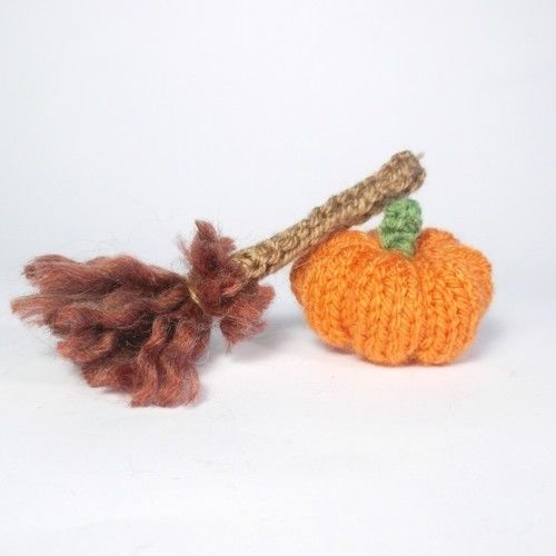 Makerist - Halloween Witch Bitsy Baby - Knitting Showcase - 2