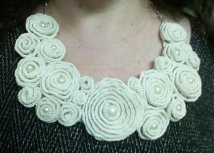 Makerist - Bib Flower Collar - Häkelprojekte - 2