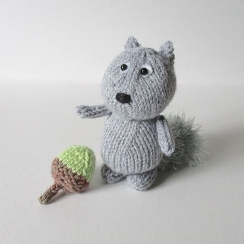 Makerist - Dinky Squirrel - Knitting Showcase - 1