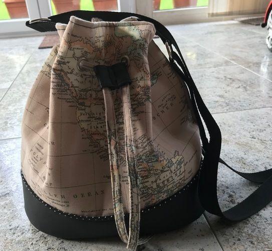 Makerist - Bucket-Bag aus Kunstleder und Canvasstoff Landkarte - Nähprojekte - 1
