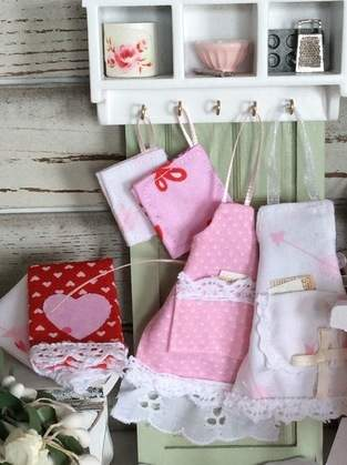 Miniature Dollhouse Sized Apron, Kitchen Towel and Hot pad 1:12 scale