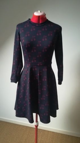 Makerist - Robe femme jersey cerise  - Créations de couture - 1
