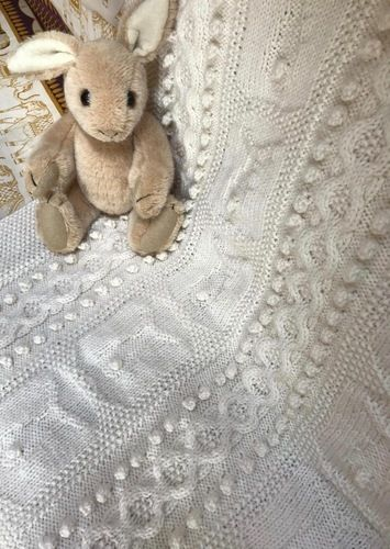 Makerist - Bobble Bunny Baby Blanket - Knitting Showcase - 3