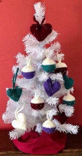 Makerist - Beaded Christmas Bauble - Knitting Showcase - 2
