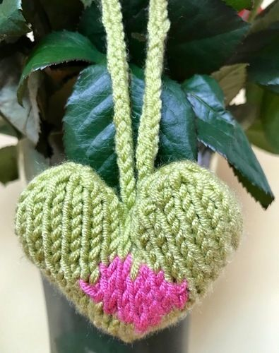 Makerist - Christmas Heavenly Hearts Tree Decoration  - Knitting Showcase - 2