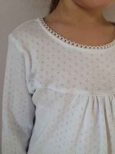 Makerist - Weißes Girly-Shirt mit Spitze - Nähprojekte - 2