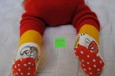 Makerist - erste selbstgenähte Söckchen aus Jersey für die kleine Princessa - 1