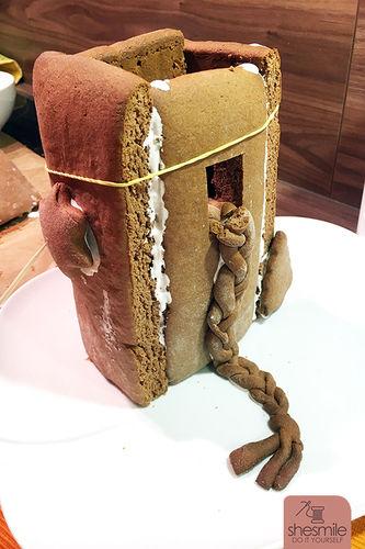 Makerist - Ein Lebkuchen-Rapunzel-Turm für die Sendung mit der Maus! - Torten, Cake Pops und Cupcakes - 3