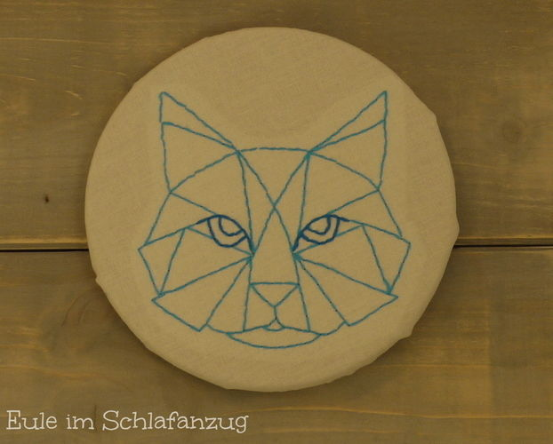 Makerist - gestickte Katze - Wandbild - DIY-Projekte - 1