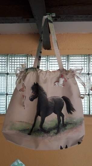 Tasche mit Pferd