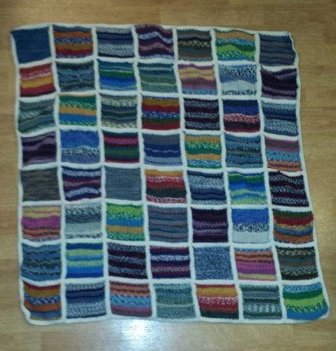 Makerist - Babydecke aus Sockenwollresten - Strickprojekte - 1