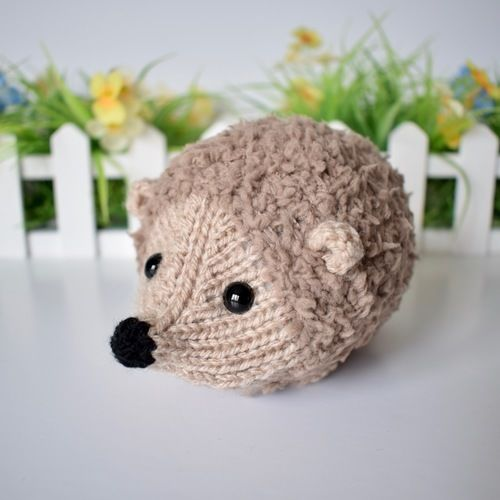 Makerist - Snuggly Hedgehog - Knitting Showcase - 1
