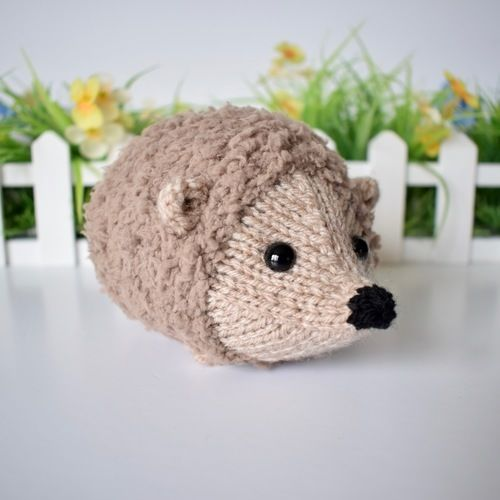 Makerist - Snuggly Hedgehog - Knitting Showcase - 2