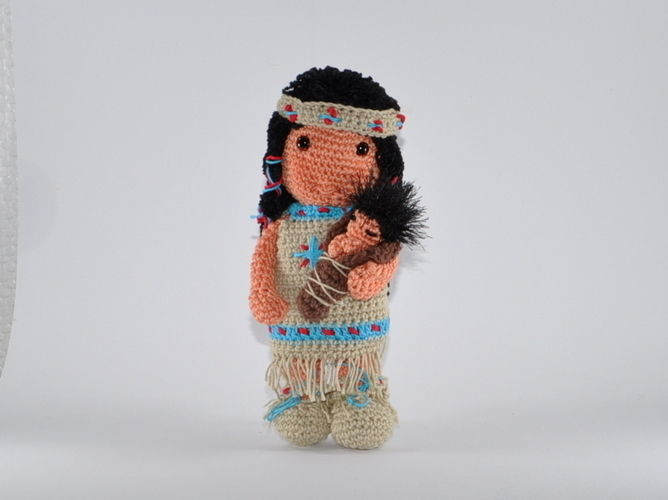 Makerist - Indianermädchen mit Baby Häkelanleitung - Häkelprojekte - 1