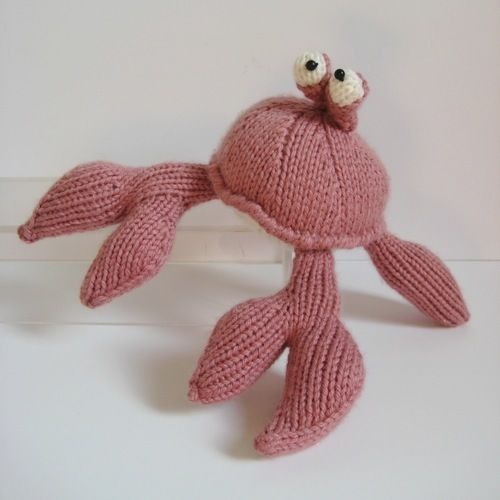 Makerist - Pinky the Crab - Knitting Showcase - 1