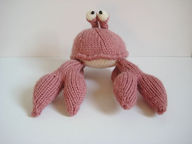 Makerist - Pinky the Crab - Knitting Showcase - 2