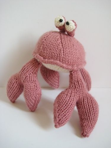 Makerist - Pinky the Crab - Knitting Showcase - 3