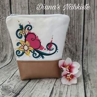 """Makerist - Kosmetiktasche mit dem tollen Plott  """"Blumenranke """" von Kikykidz  - 1"""