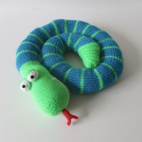 Makerist - Twirly Snake - Knitting Showcase - 2