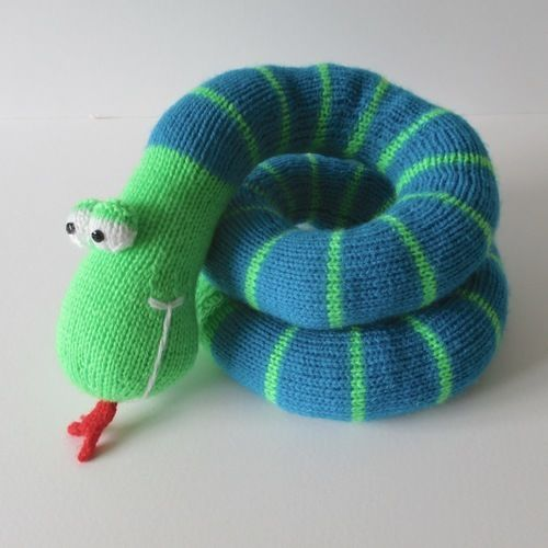 Makerist - Twirly Snake - Knitting Showcase - 3