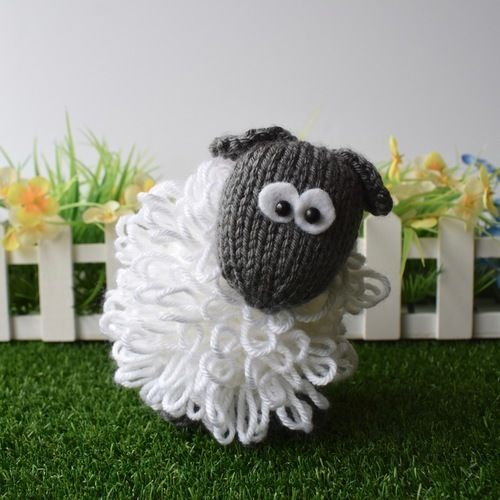 Makerist - Curly the Sheep - Knitting Showcase - 2