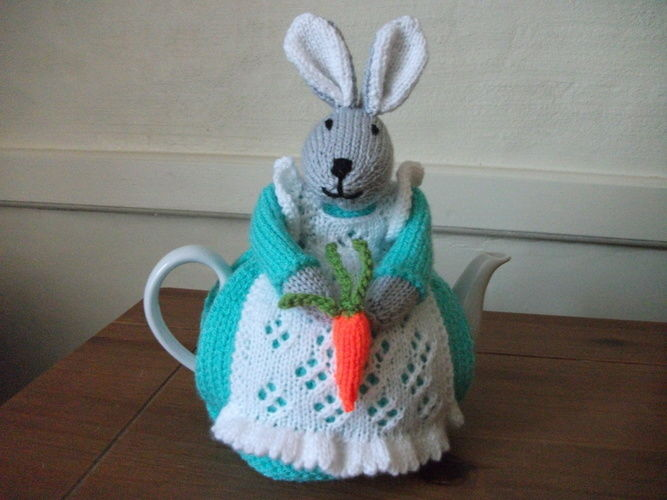 Makerist - Bunny Tea Cosy - Knitting Showcase - 1