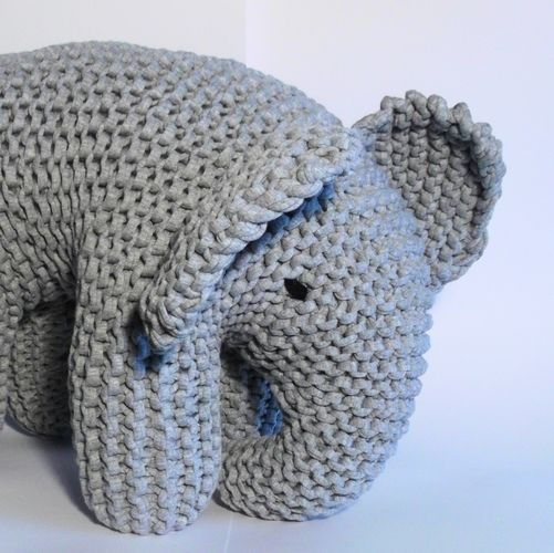 Makerist - Big Grey Elephant - Knitting Showcase - 2