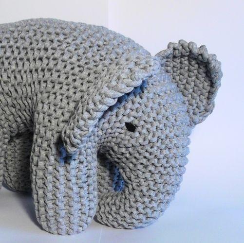 Makerist - Big Grey Elephant - Knitting Showcase - 2